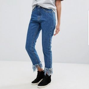 MISSGUIDED Riot Highwaisted Fray Hem Jeans